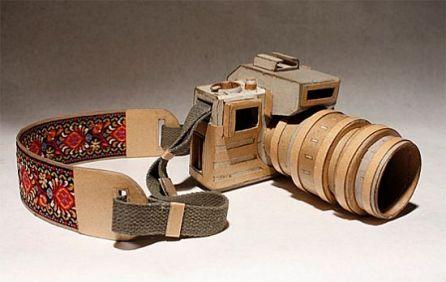 kiel-johnson-cardboard-cameras_1_LUxJl_69